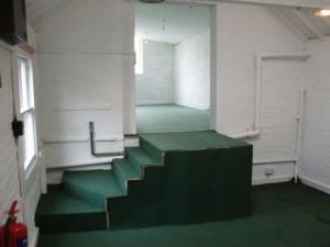 Studio-empty-with-steps