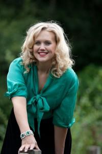 Kate-on-Bridge-in-Green-blouse