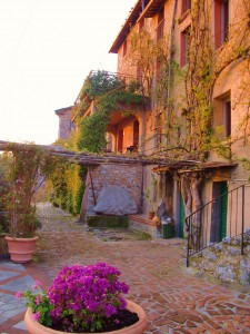 3-terrace-house-at-sunset-peralta