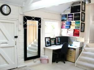 Studio---door-and-right-desk