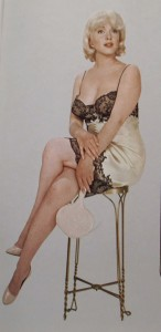 Marilyn-Monroe-on-Stool