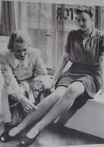 stocking---make--up-on-legs
