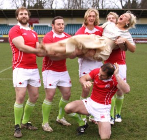 London-welsh-rugby-shoot-blog-throwing-Kate